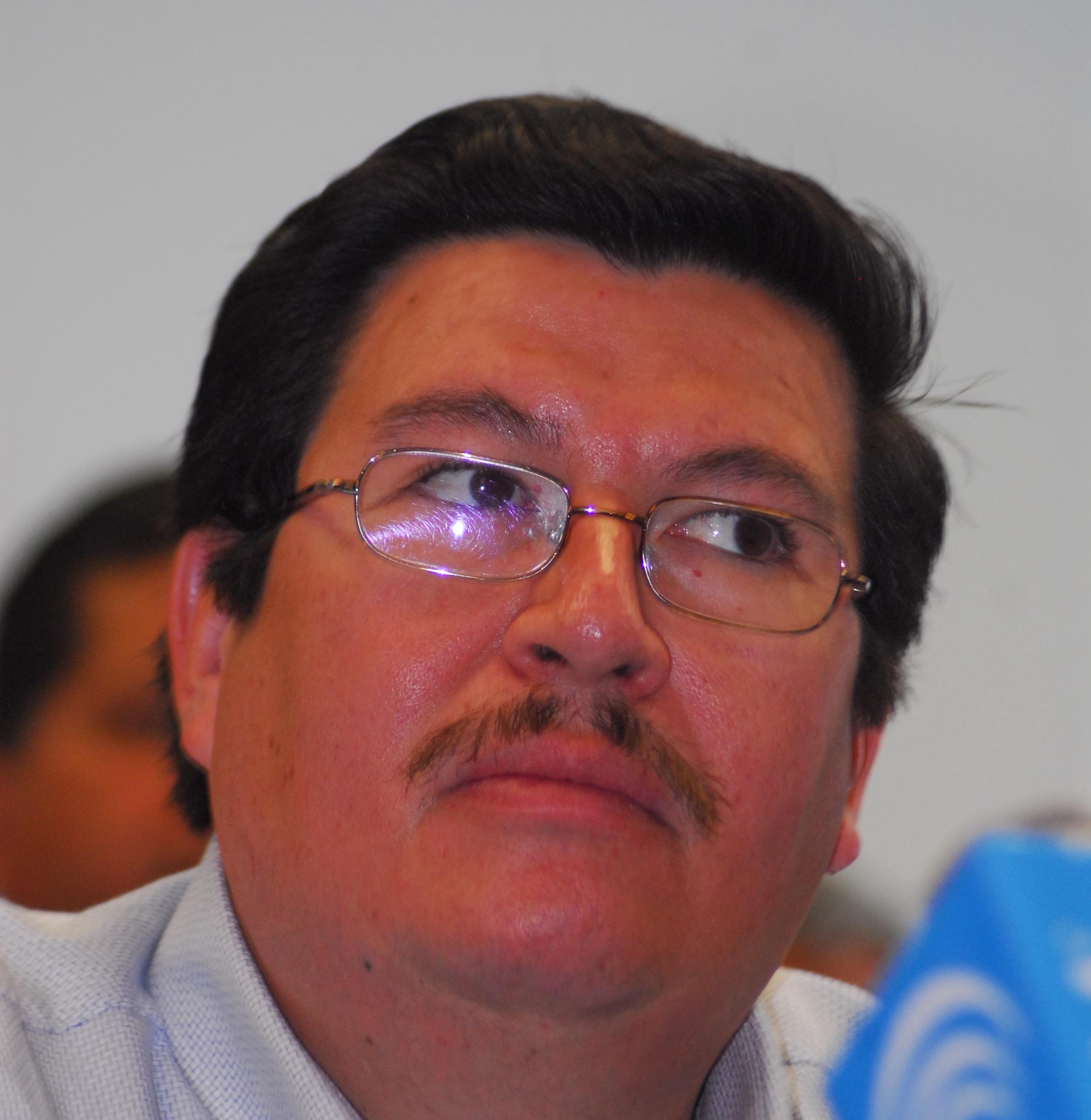 Conoce cómo Arturo González se enriqueció a costillas del PAN