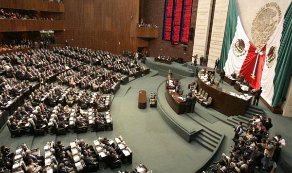 Pide diputado del PAN reducir número de legisladores federales