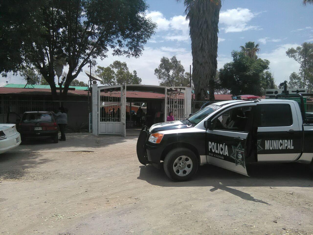 Policía Estatal detiene a mujer que intentó sustraer niño de un kínder