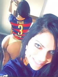 Miss Bum Bum deja en paz a Messi y se fija en Pique