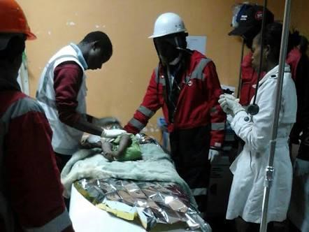 Milagro en Kenia: rescatan a bebé tras 80 horas bajo edificio derrumbado