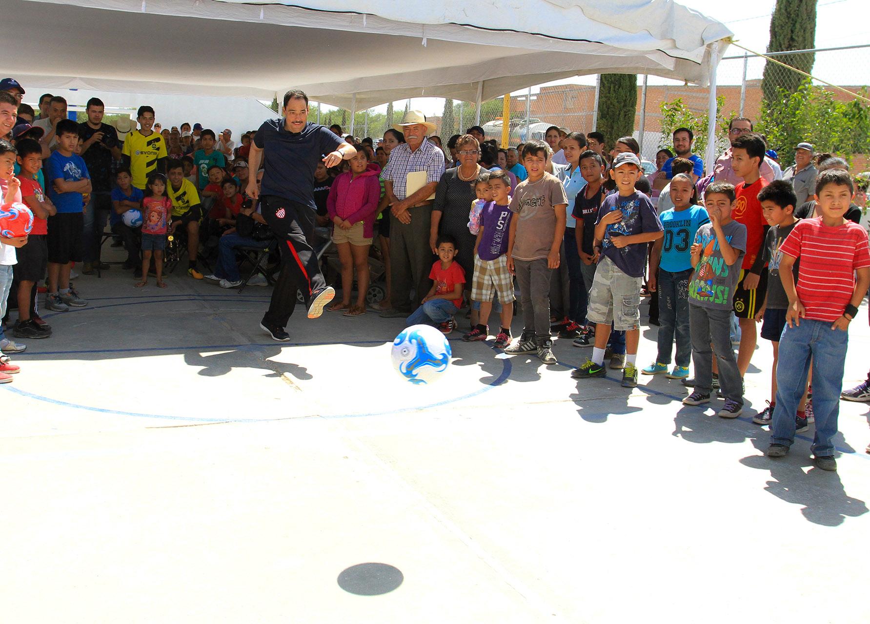 Entrega @municipioags obra deportiva en Jaltomate