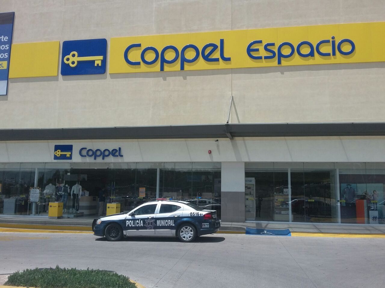 """Capturan en Coppel Espacio a joven """"fardera"""""""