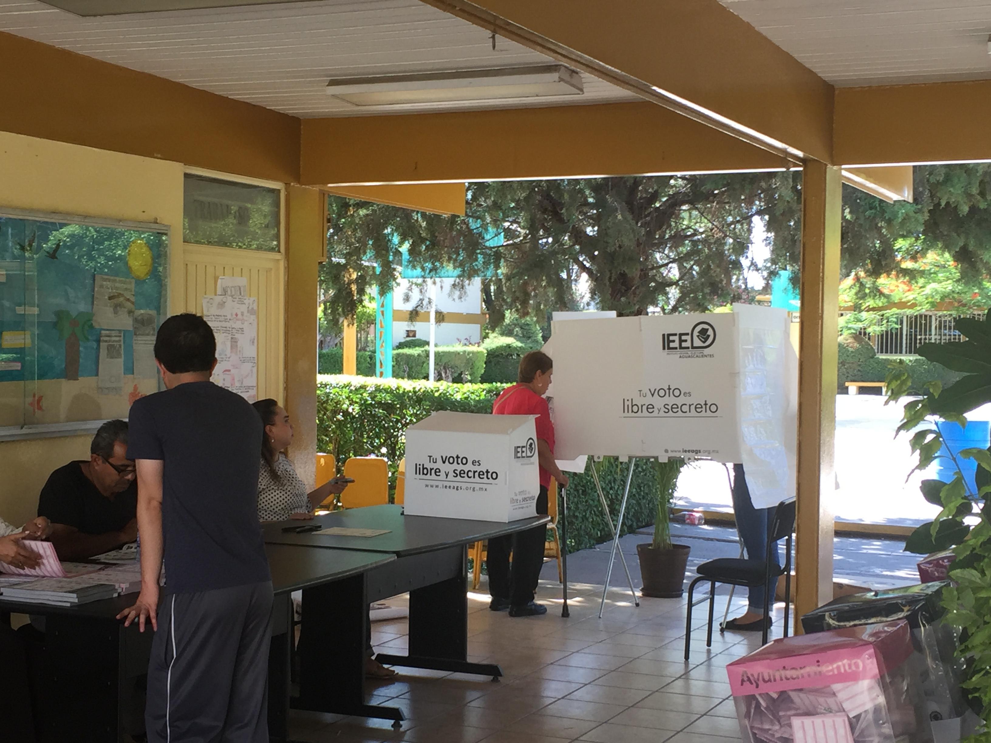 Entre votos
