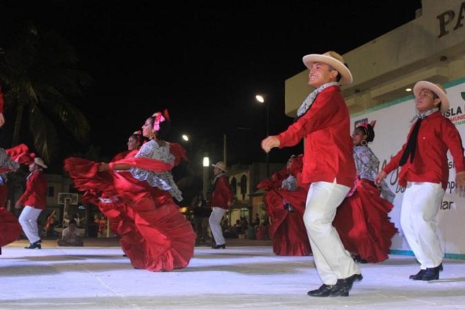 Todo listo para celebrar el 27 Congreso Nacional de Danza Folclórica en Pabellón de Arteaga