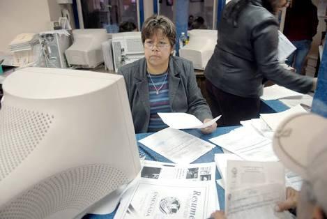 Eliminan 11,256 plazas en el Gobierno Federal