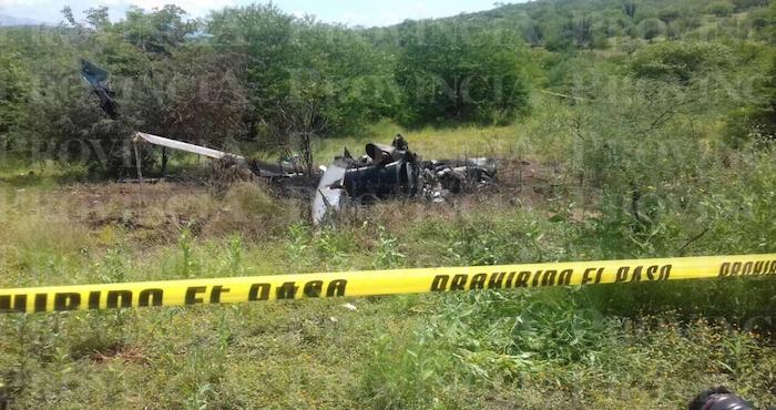 Error humano y falla técnica pudieron causar caída de helicóptero en Michoacán, según Aeronáutica Civil