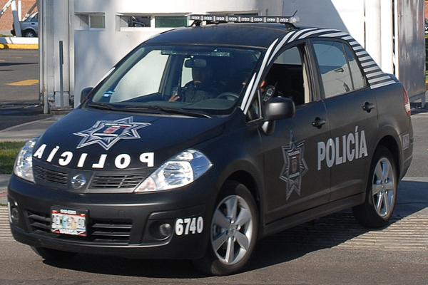 Por golpear a un policía detienen a dos sujetos en Tepezalá
