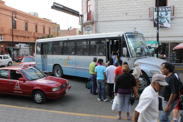 50 camiones urbanos se retiraron por contaminar en Ags: Proespa
