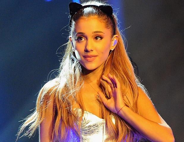 Ariana Grande recibe trato denigrante de parte de un fan de su novio