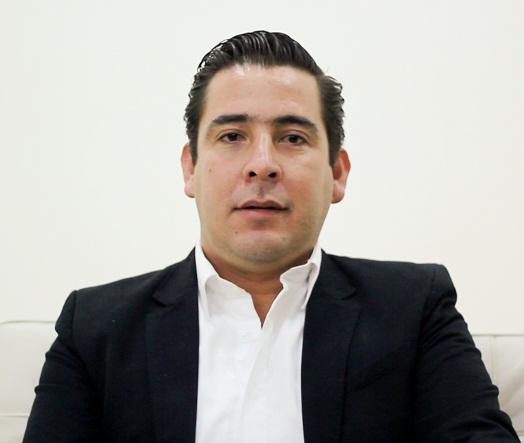 Mi papá no quiere ser titular del OSFAGS: Gustavo Báez