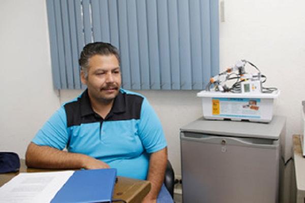 Investigador de la UAA experimenta tratamiento de fobias con realidad aumentada