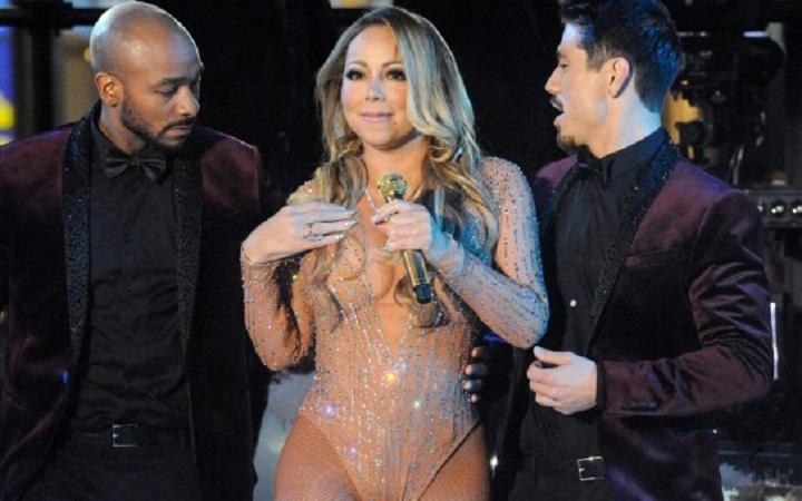 Le cachan el playback a Mariah Carey en pleno concierto