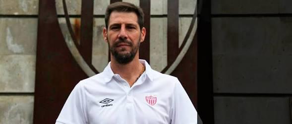 Carlos López sale del Necaxa