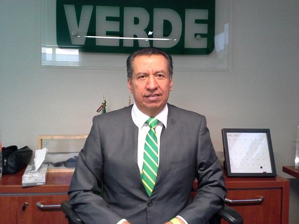Invita Paulo Martínez a Sergio Augusto López a ponerse a trabajar