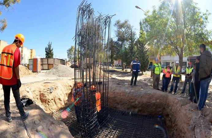 Supervisan obras del corredor de convivencia de Av. Gómez Morín