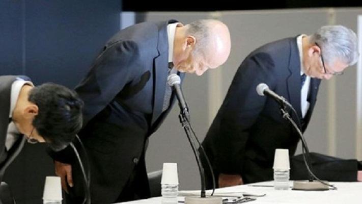 Empresario japonés renuncia a su cargo por suicidio de joven por exceso de trabajo