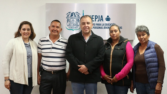 Se alía INEPJA con asociación civil para combatir el rezago educativo en adultos