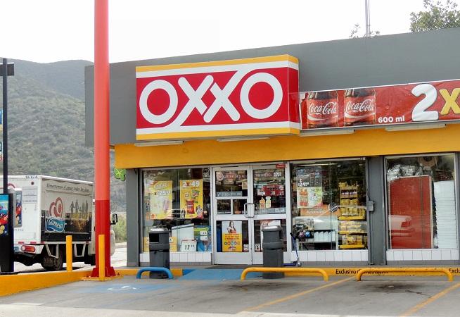 Piden retirar publicidad en farmacias y en tiendas de conveniencia para evitar asaltos