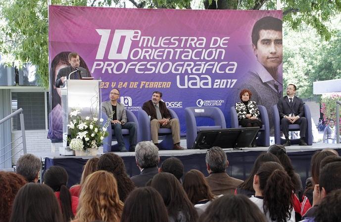 Expone la UAA su oferta educativa ante más de 5 mil estudiantes de bachillerato