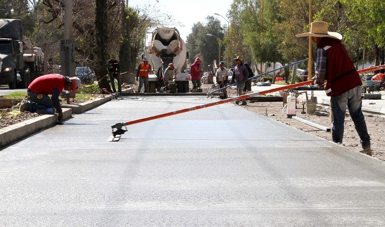 Avanzan los trabajos de repavimentación en la Av. José María Chávez