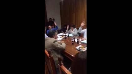 Regidores del PAN y PRD votan por sesionar en lo oscurito en Aguascalientes