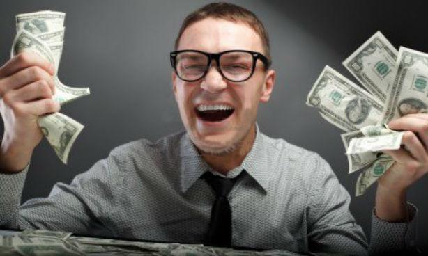 Los feos ganan más dinero que las personas promedio, según un estudio