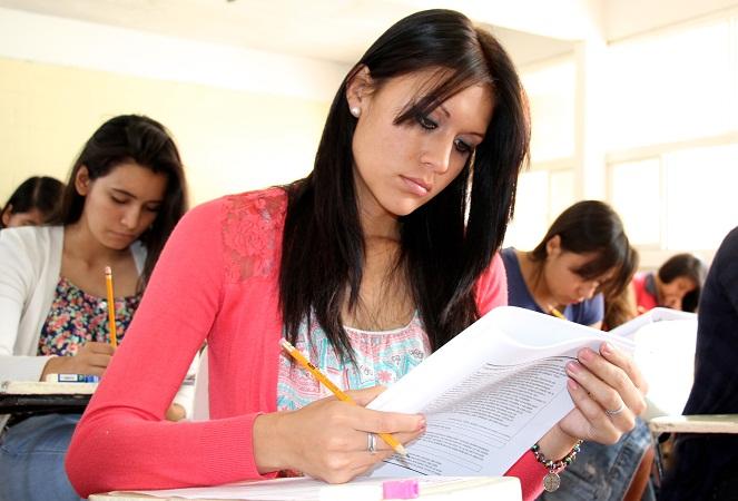 Abren convocatoria para becas de Educación Media y Superior en Ags.
