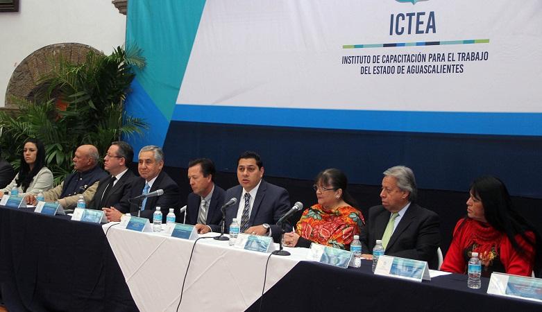 Capacitación laboral indispensable para mejorar desarrollo de la región