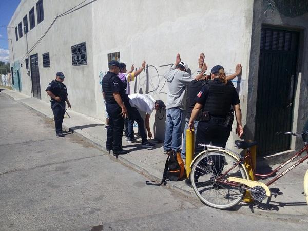 Se hacían pasar como empleados de Telégrafos para robar postes metálicos en Cosío
