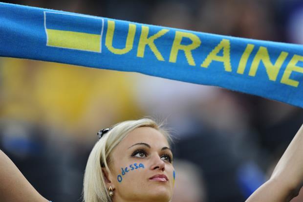 Lanzan campaña 'Adopta una Ucraniana'