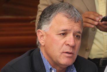 """Ventura: Le hacen falta buenos asesores a """"Paquín"""" González"""