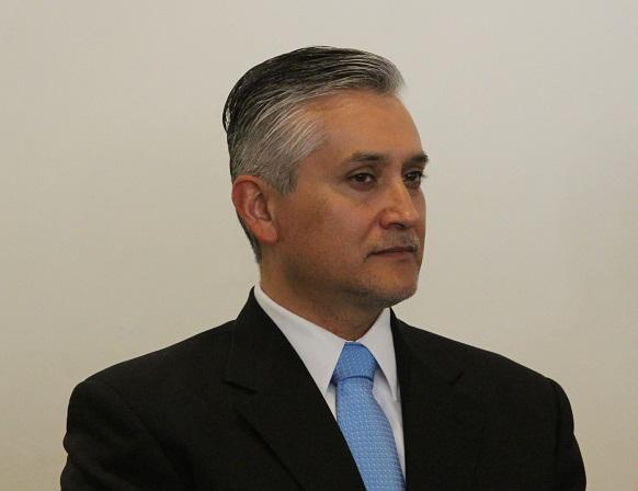 Secretario del Medio Ambiente dejó colgados a diputados locales
