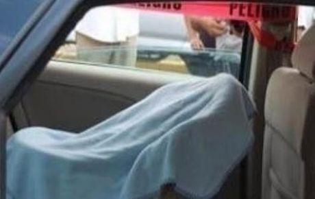 Olvidan a su bebé de un año en el auto y muere sofocado