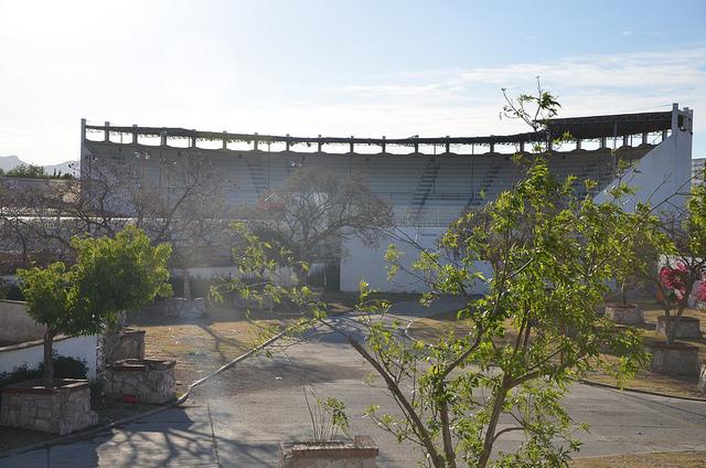 Suspenden obras de demolición de la Villa Charra por falta de recursos