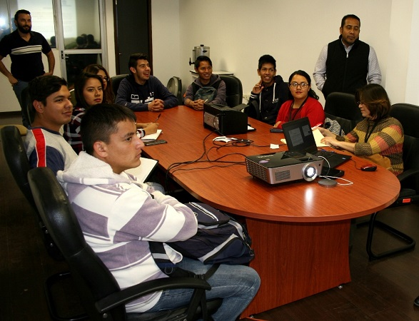 Visitan estudiantes de Energías Renovables el Parque Fotovoltaico de la SMAE