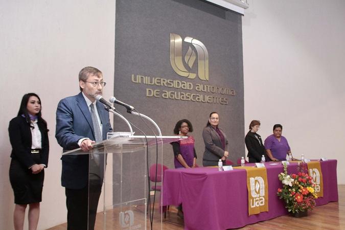 Universidades, indispensables para tener una sociedad más equitativa: F. Avelar