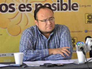 """""""No tengo empacho en votar iniciativas de otros partidos: OEE"""