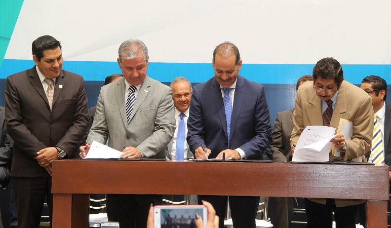 Gob-Ags, sindicatos e IP firman Pacto de Competitividad y Estabilidad Laboral