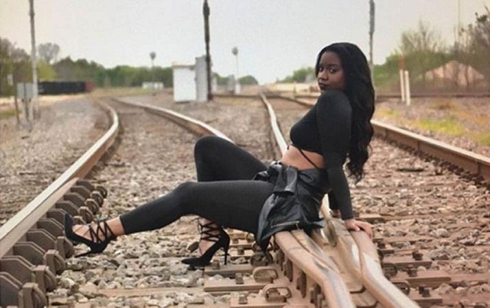 Mujer muere arrollada por el tren mientras se tomaba una sesión de fotos