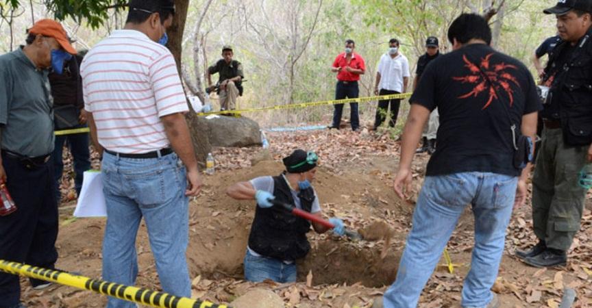 Encuentran 249 cuerpos humanos en fosas clandestinas de Veracruz