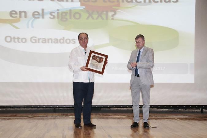 Universidades deben detonar el talento e innovación de los jóvenes: Otto Granados