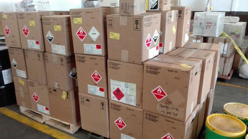Aseguran productos químicos que pretendían enviarse por paquetería en Ags.