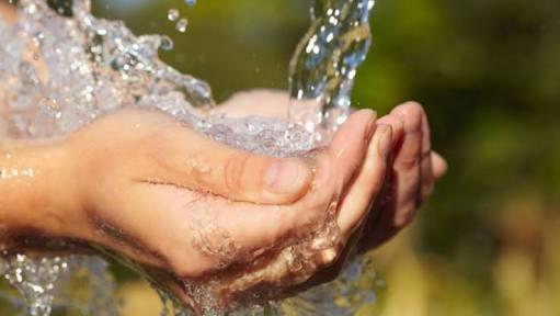 Recaudan firmas para que el agua potable ya no sea concesionada