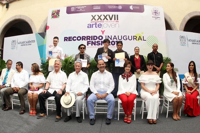 Premian a ganadores del Encuentro Nacional de Arte Joven en Aguascalientes