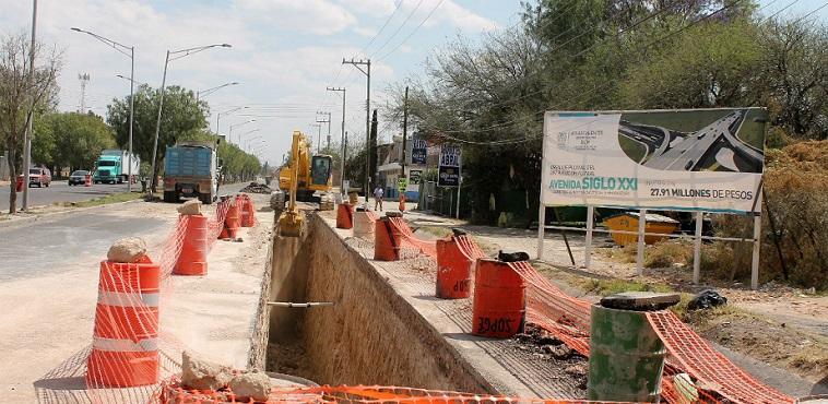 Habrá más cierres de calles por construcción de distribuidor de salida a Zacatecas