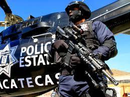 Dan prisión preventiva a un policía de Zacatecas por amenazar narco en Ags