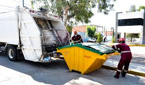 Multan a comerciantes por no pagar servicio particular de recolección de basura