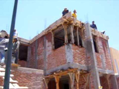 Se derrumba el techo y 4 albañiles se vienen abajo en Aguascalientes