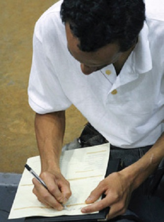 Investigadores llaman a mejorar las condiciones laborales de trabajadores de Ags.